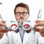Optometri-vad-ar-en-optiker
